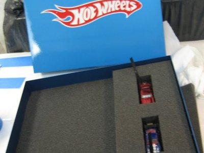 We teamed up with Hot Wheels to create this special Hot Wheels metal box with 2 custom USB Hot Wheel cars for a product presentation.
