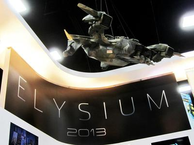 This is 1/6th scale miniature Raven spacecraft model we restored for promoting Elysium at Comic Con International in San Diego.